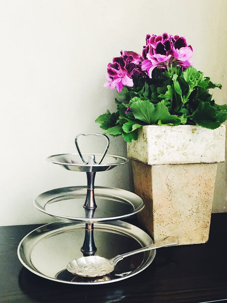 Vintage Metal 3-Tier Tea Stand