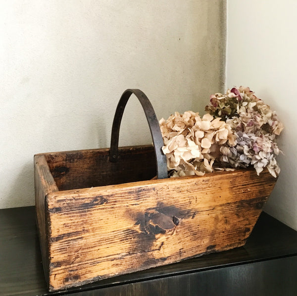 Vintage Trug with Iron Handle