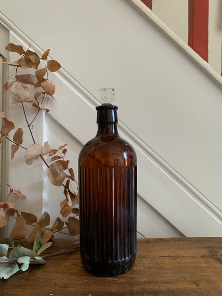Medium-sized Apothecary Bottle with stopper