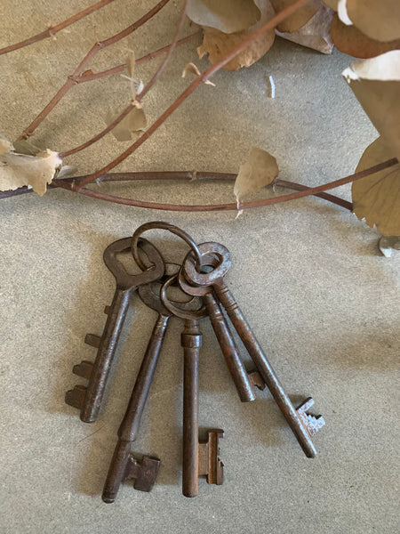 Vintage Keys Bundle