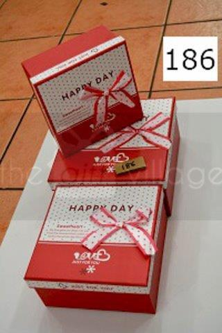 Gift Box: Red Three-piece set Square shape- 186Red