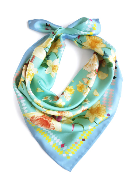 Silk scarf / Powerful Daffodils