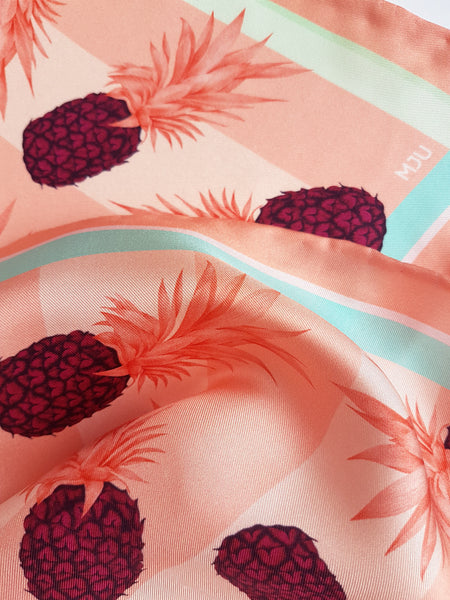 Silk scarf / Pineapple love