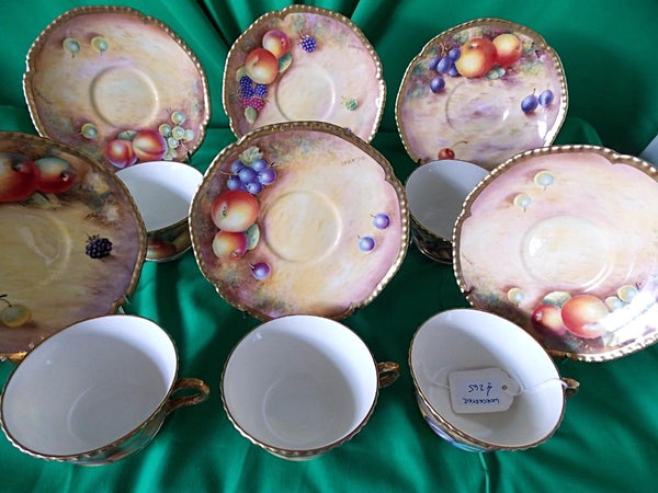 (((RESERVED))) Six Worcester fruits coffee cups and saucers.