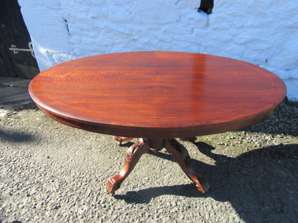 Victorian walnut tilt top loo table. - Country Homes Antiques