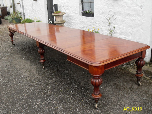 Large Victorian Mahogany Dining Table - Country Homes Antiques