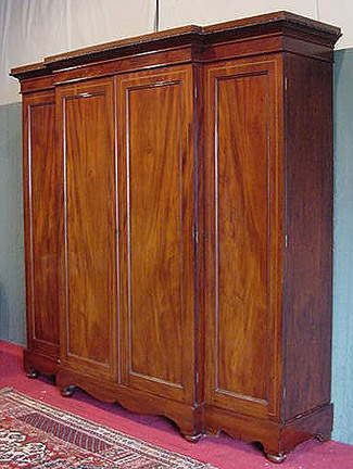 Georgian Mahogany 4 door breakfront wardrobe - Country Homes Antiques