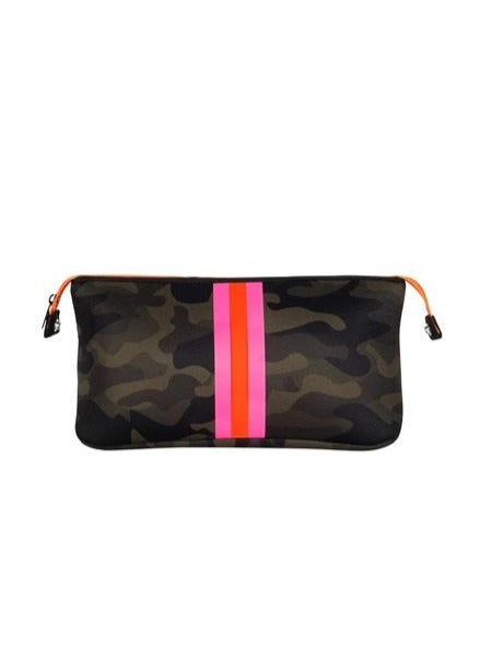 Haute Shore Kyle Toiletry Bag Showoff