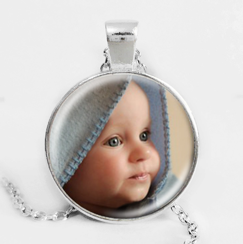 Personalized Photo Pendant & Necklace