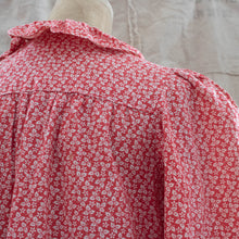 Vintage Womens 40s Xs Small Handmade Red Floral Feedsack Smock Shirt or Dress
