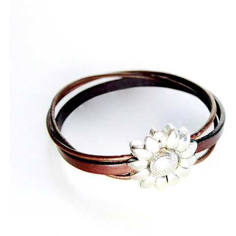 Daisy clasp leather bracelet