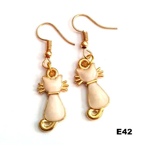 E42 - Kitty Cat Earrings