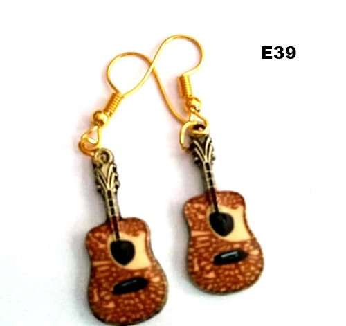 E39 - Guitar Earrings