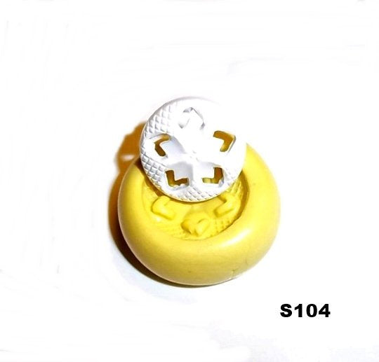 S104 - Sewing Button