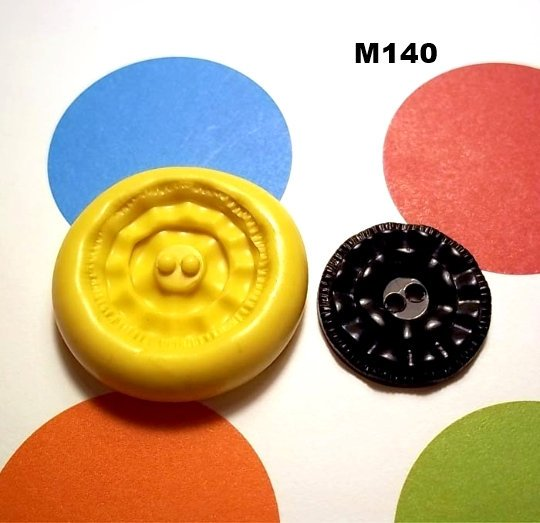 M140 - Sewing Button
