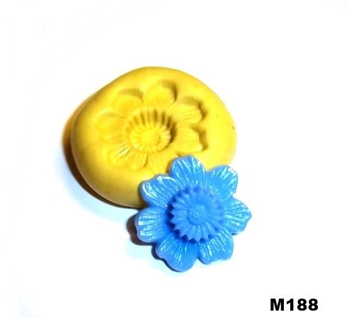M188 - Sewing Button