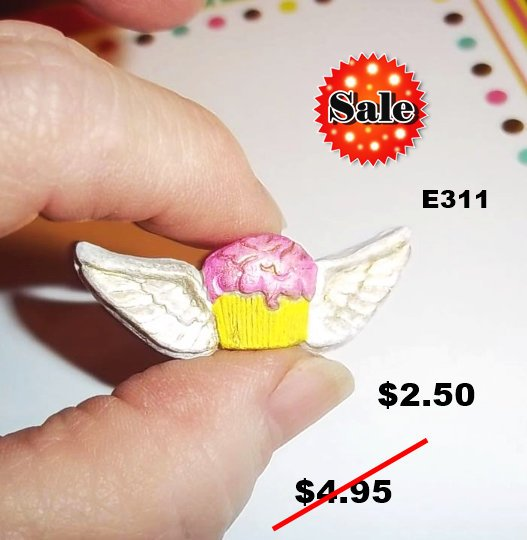 E311 - Cupcake With Wings
