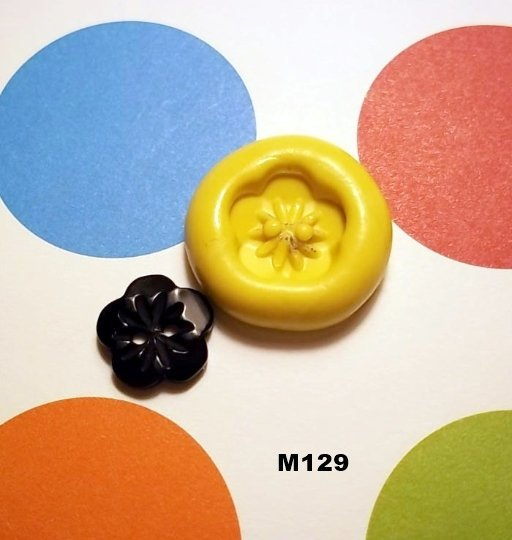M129 - Sewing Button
