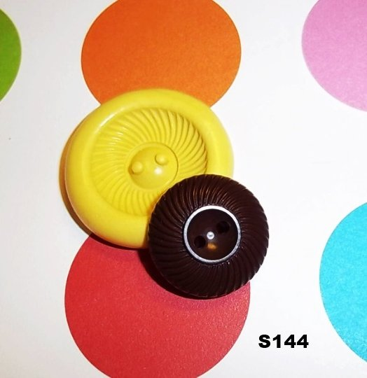 S144 - Sewing Button