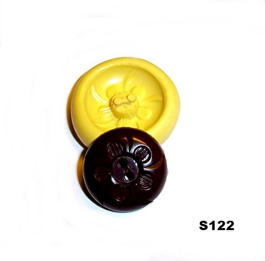 S122 - Sewing Button