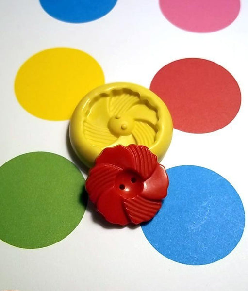 S146 - Sewing Button