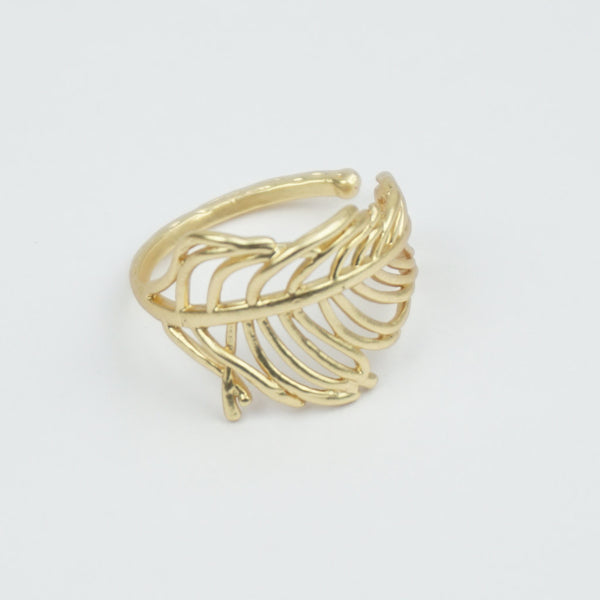 Wrap around feather ring