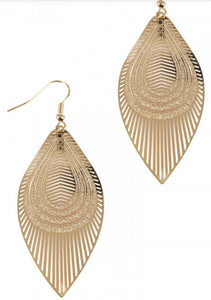 Gold filigree drop shaped earrings