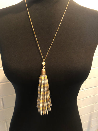 Gray plaid tassel necklace