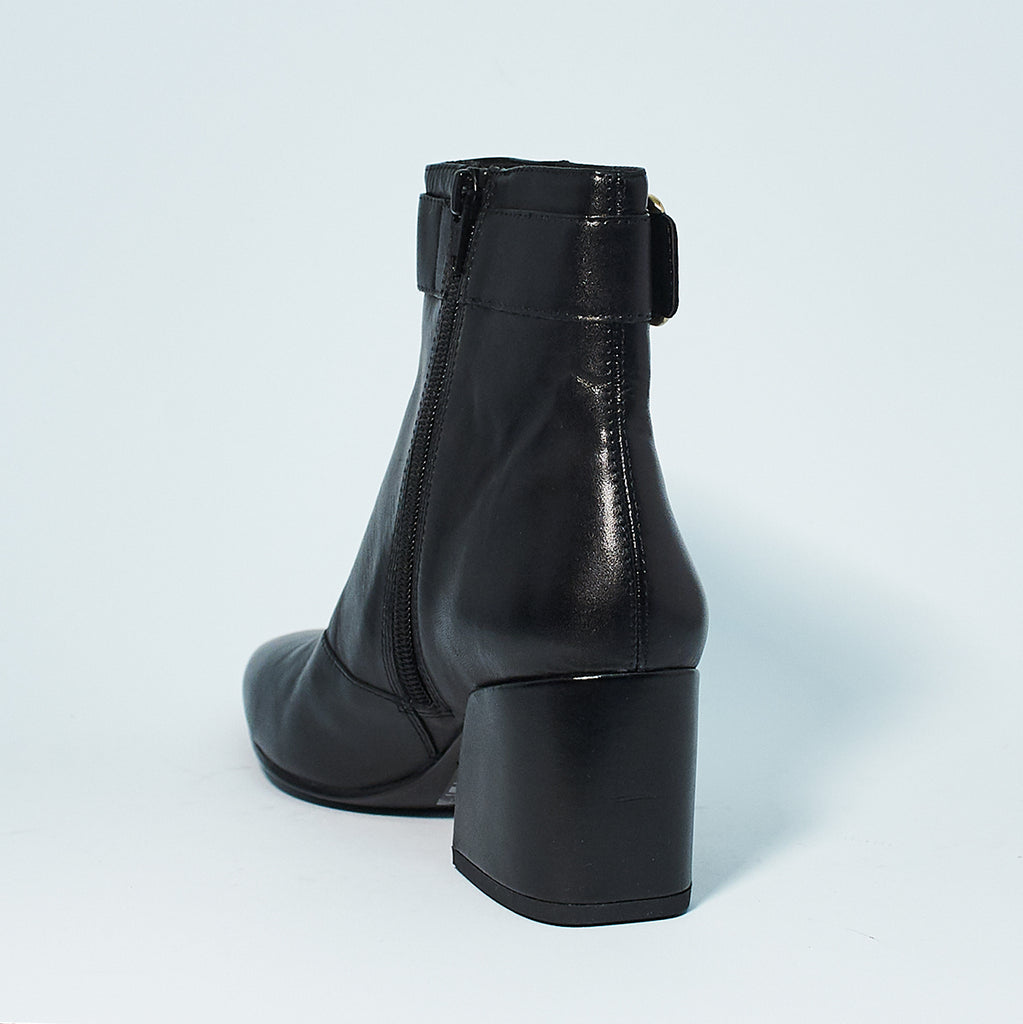 OLIVIA BUCKLE BOOT