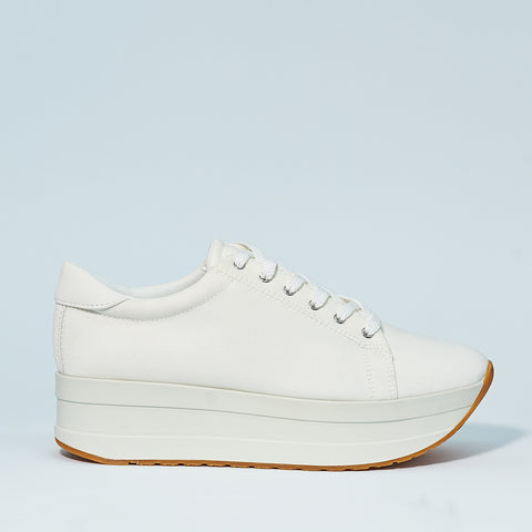 Casey all white by Vagabond Shoe Makers