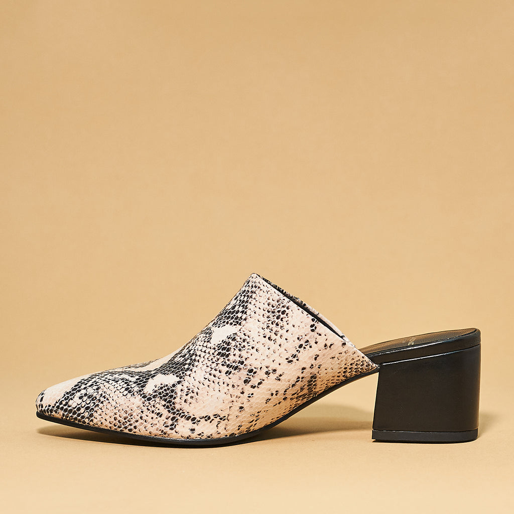 MYA Mule by Vagabond Shoe Makers in Sand