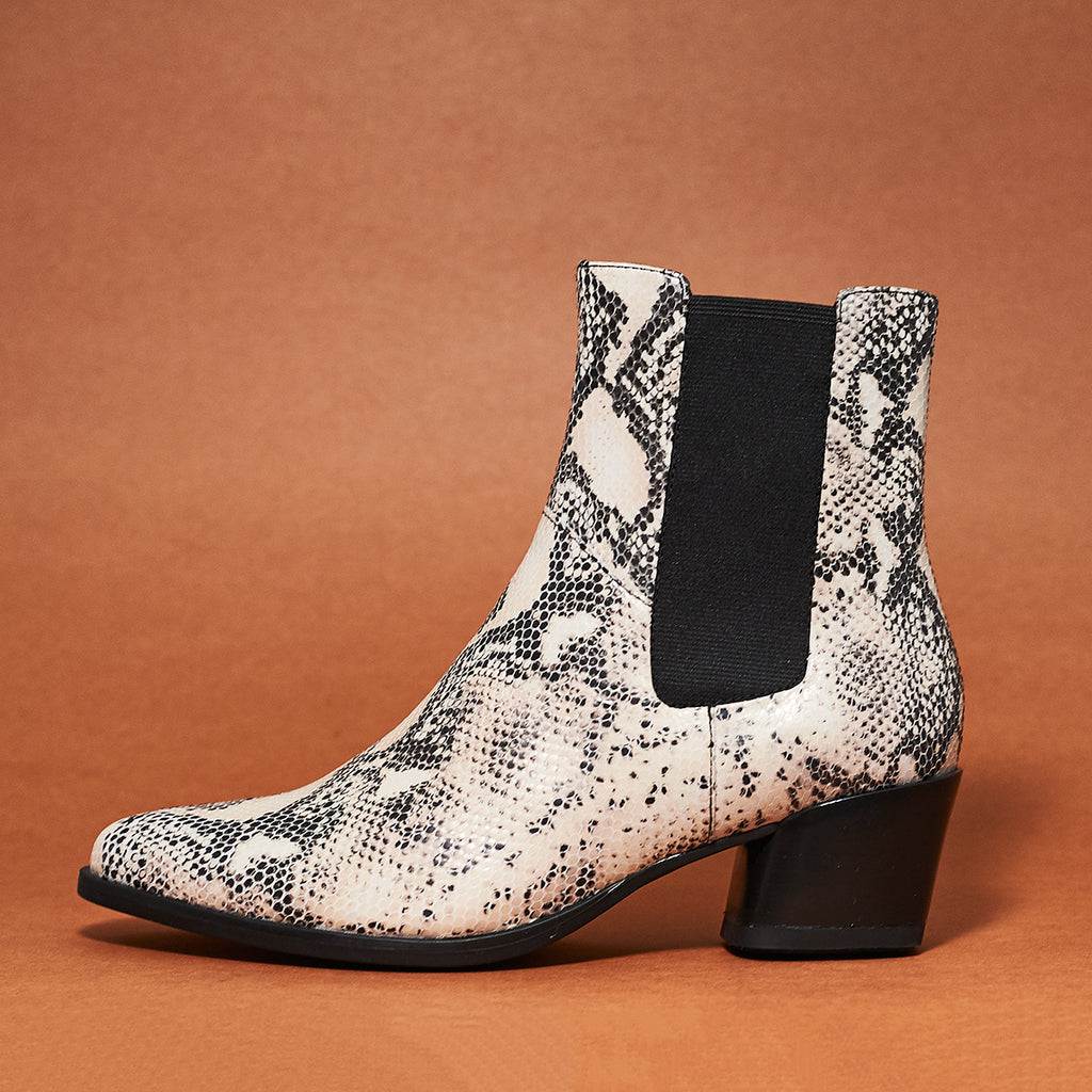 Vagabond Lara Boot in snake