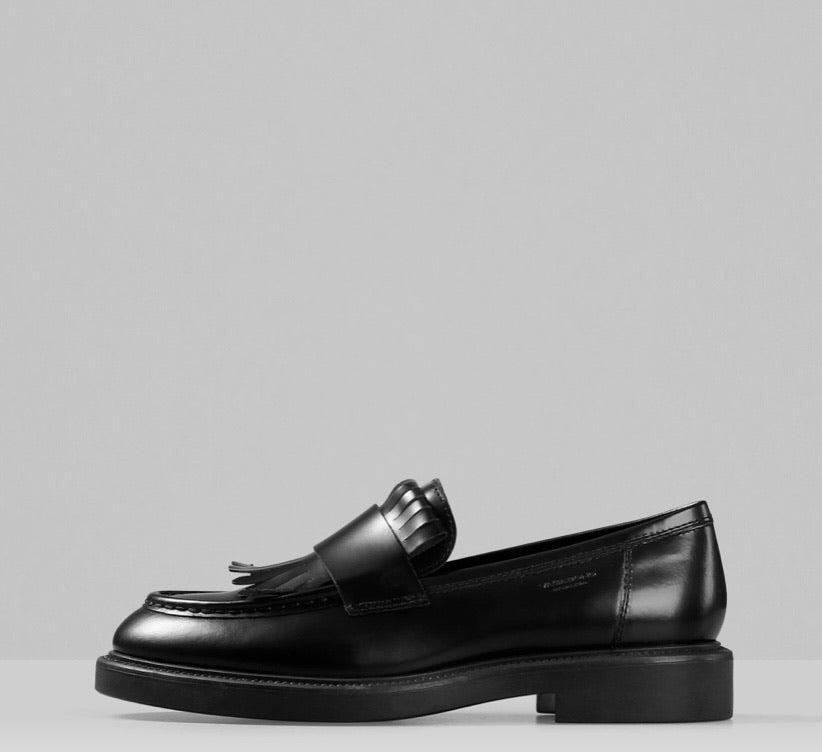 ALEX FRINGE LOAFER