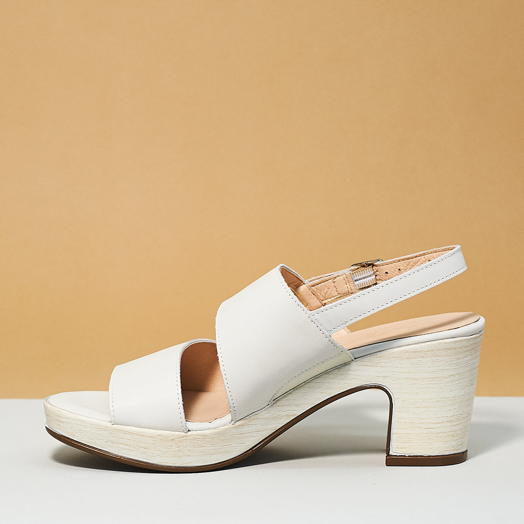 Double strap sandal by Wonders off white
