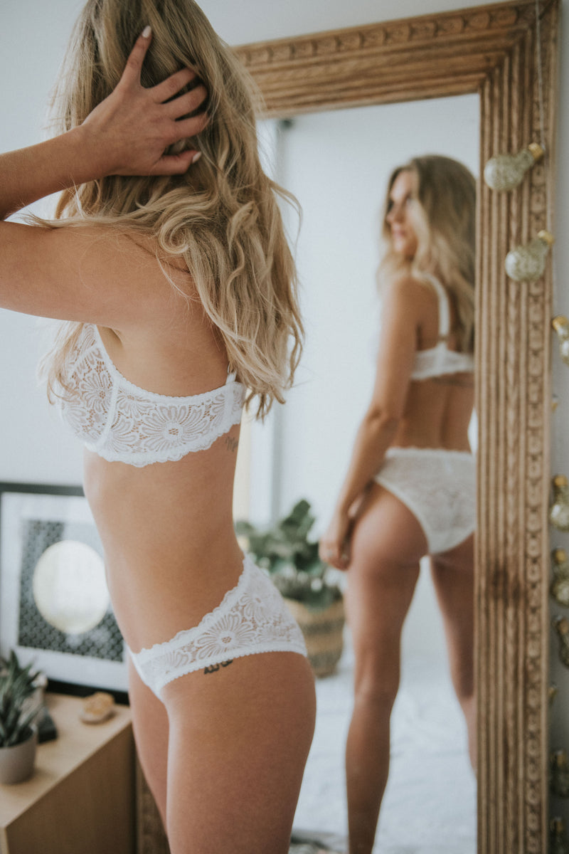 Buy Lonely lingerie Patsy underwire bra in ivory | Finding Rosie Australia
