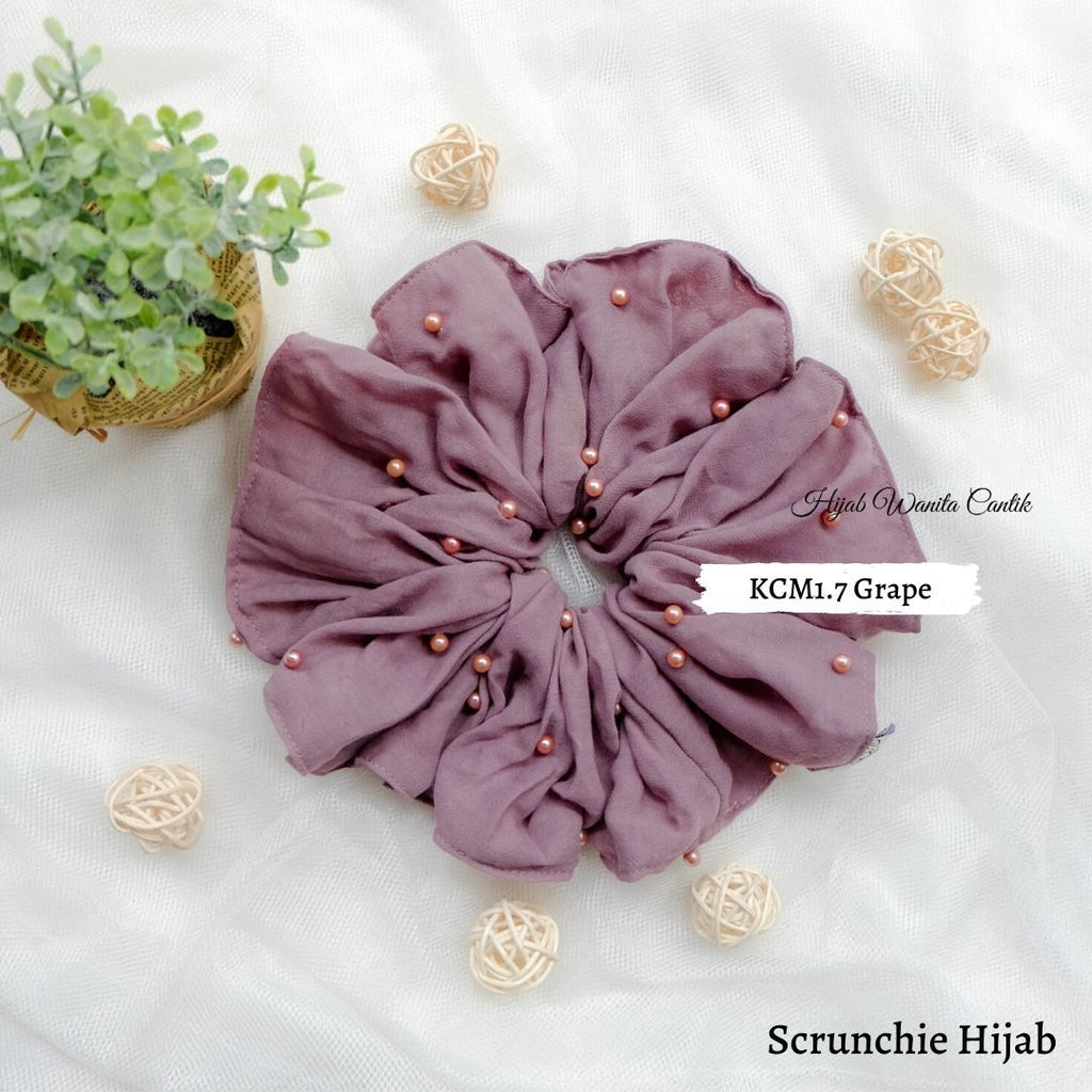 Scrunchie Hijab Voal Mutiara Ikat Rambut Anti Pusing KCM1.7 Grape