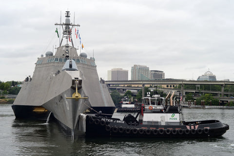 "USS Jackson (LCS 6) to get underway after participating in the Portland Rose Festival (June 12, 2017) - 4"" x 6"" Lustre Photograph"