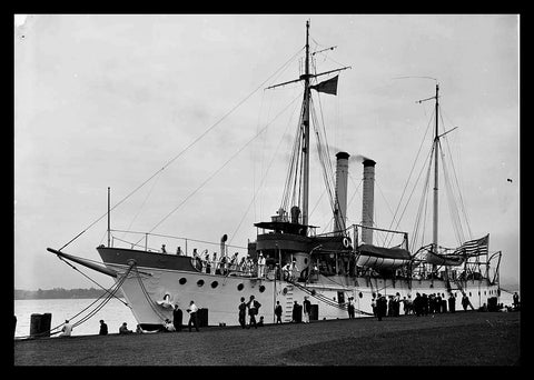"U.S.S. Dubuque [between 1900 and 1905] - Detroit Publishing Co. - 5 x 7"" Photograph"