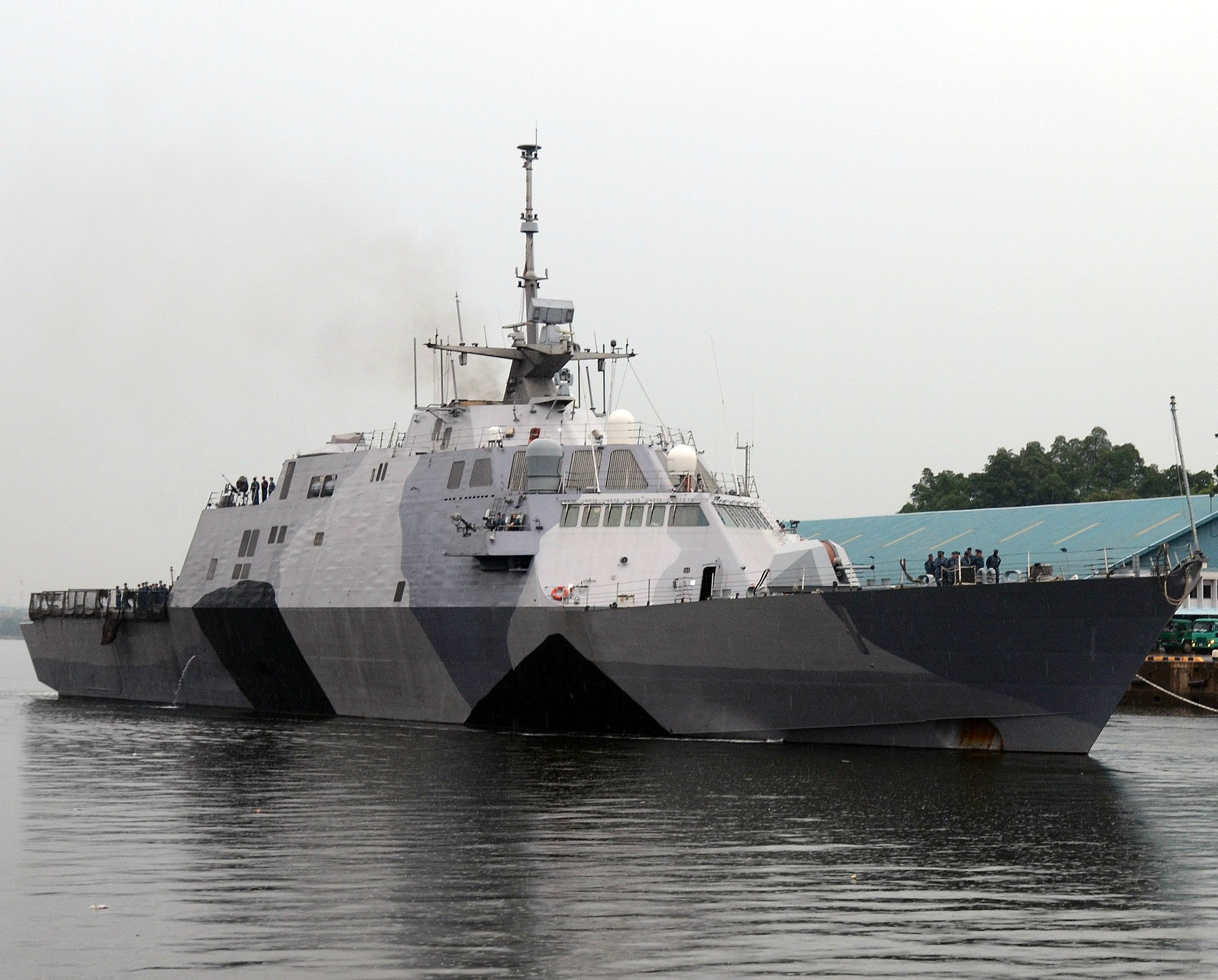 "USS Freedom LCS-1 SEmbawang, Singapore August 2, 2013 - 8 x 10"" Photograph"