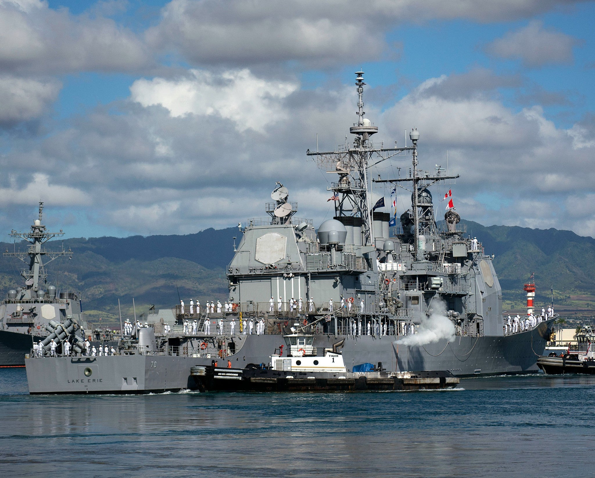 "USS Lake Erie CG-70 Pearl Harbor August 29, 2014 - 8 x 10"" Photograph"
