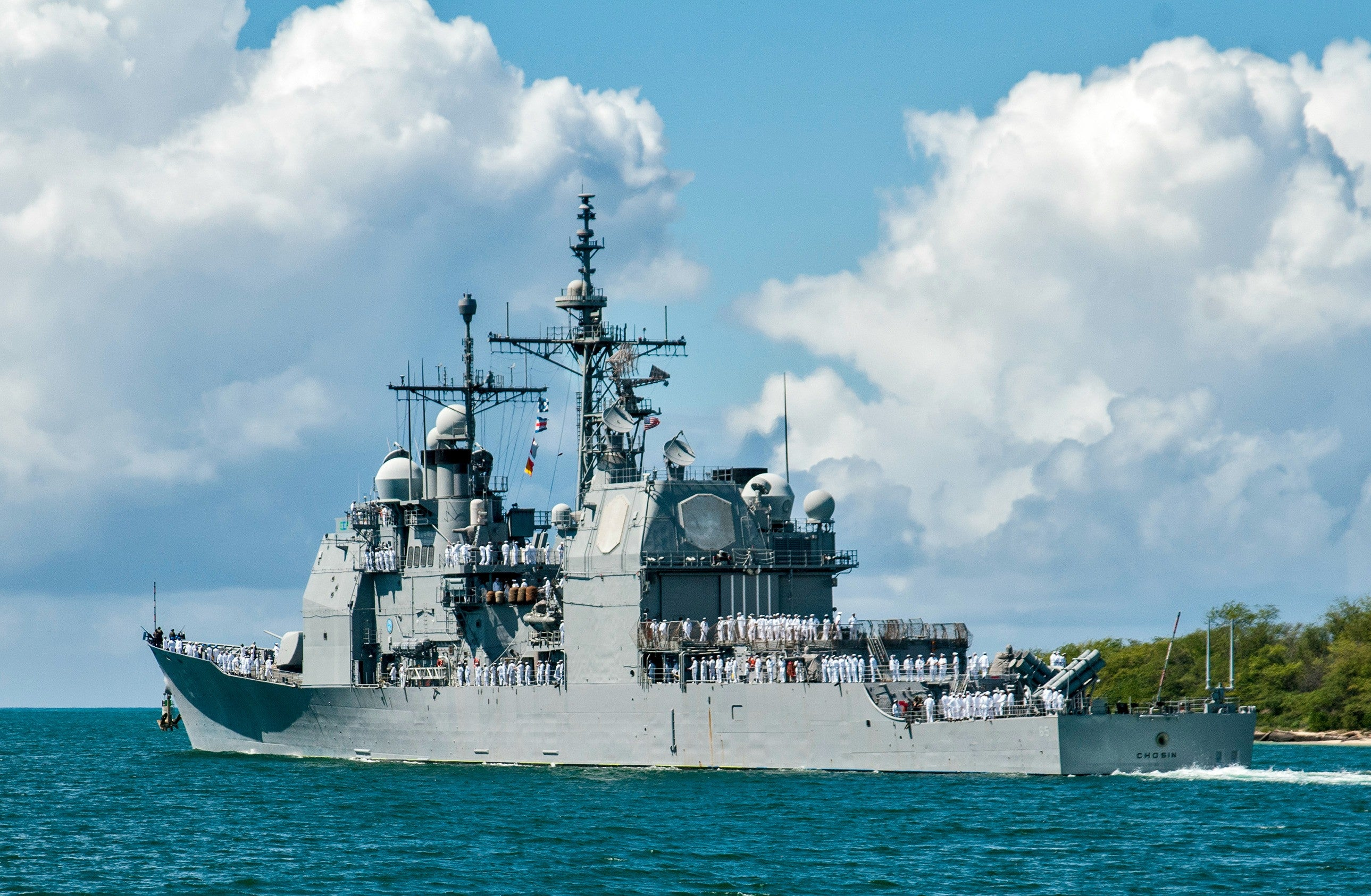 "USS Chosin CG-65 Departs Joint Base Pearl Harbor-Hickam April 30, 2013 - 8 x 12"" Photograph"