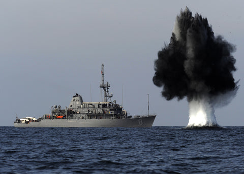 "USS Scout MCM-8 Detonates Demolition Charge Strait of Hormuz November 19, 2010 - 8 x 12"" Photograph"