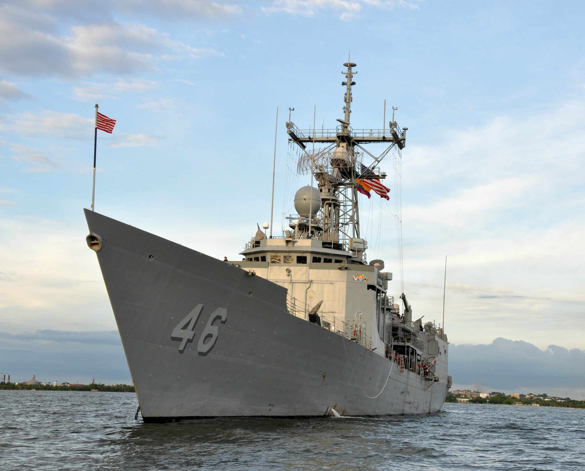 "USS Rentz FFG-46 Cartagena, Columbia September 7, 2013 - 8 x 10"" Photograph"