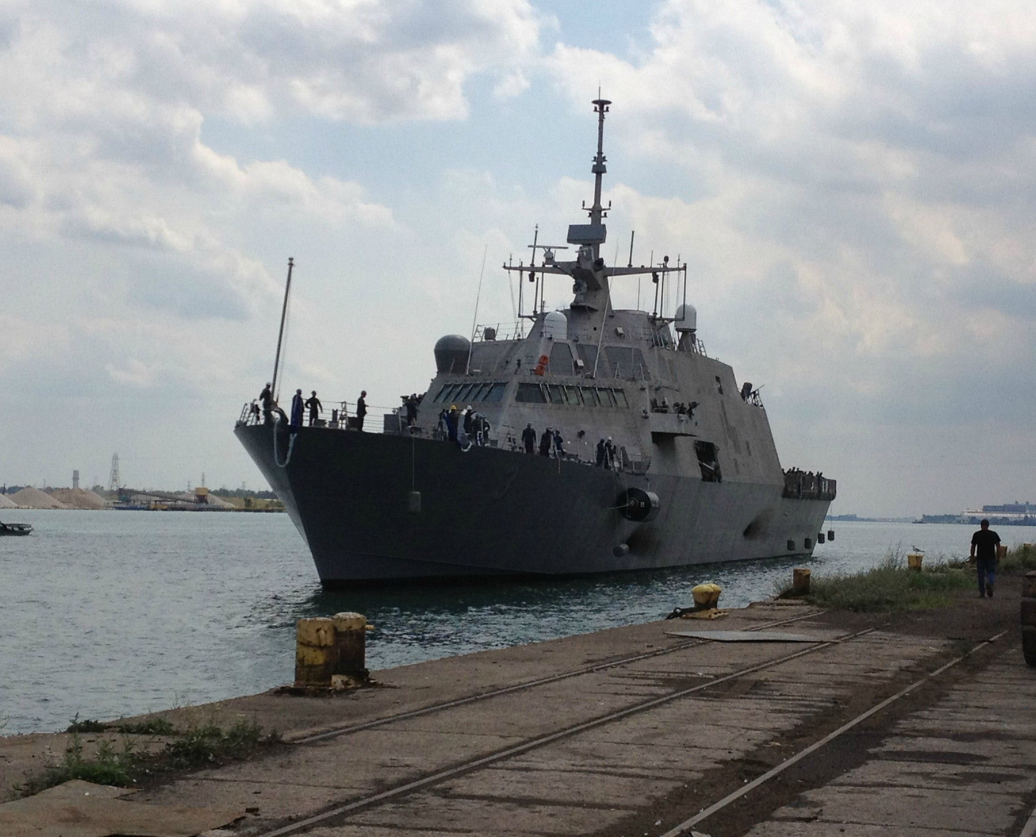 "Littoral Combat Ship USS Fort Worth LCS-3 Detroit, Michigan August 8, 2012 - 8 x 10"" Photograph"
