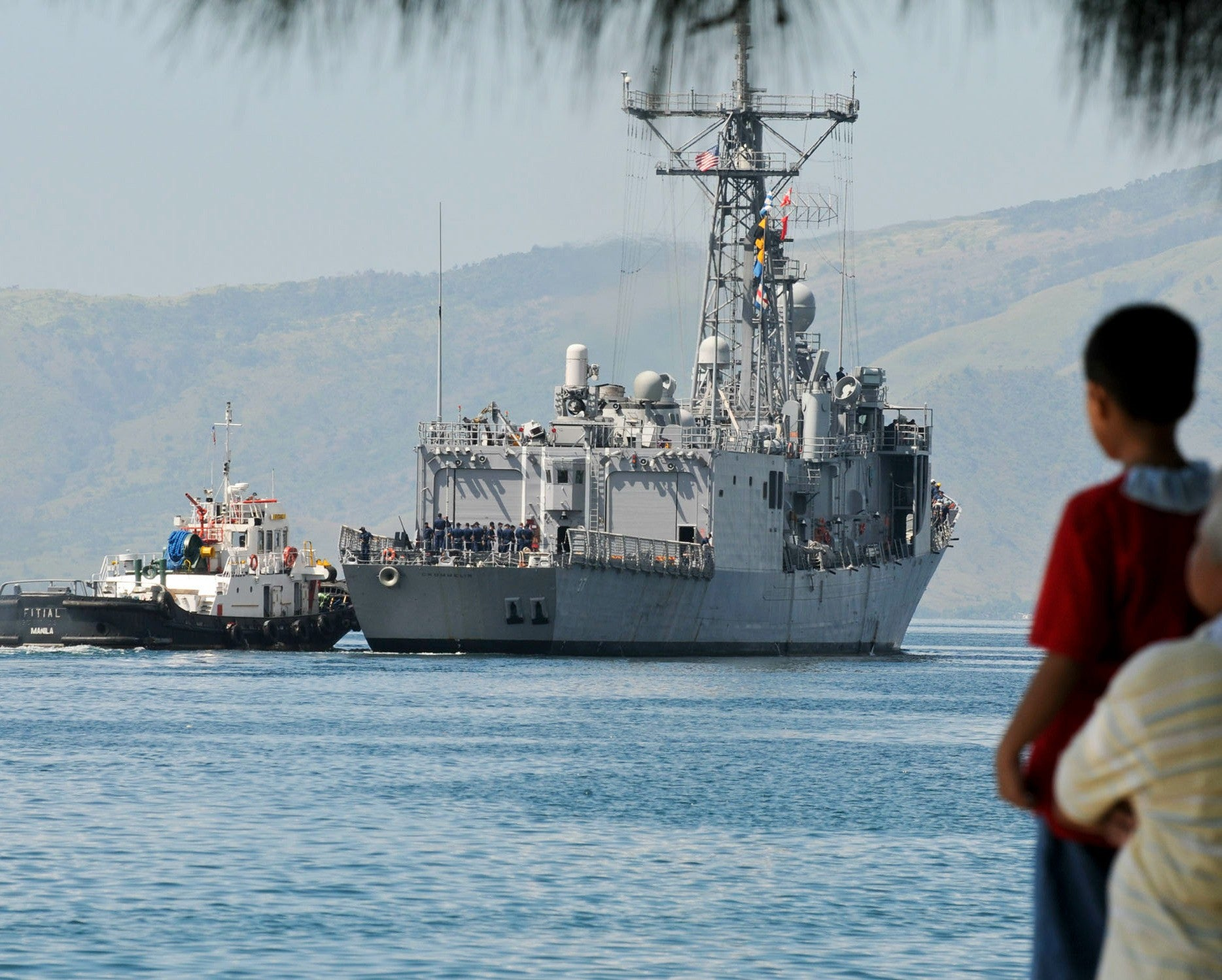 "USS Crommelin FFG-37 SUBIC BAY, Philippines (October 17, 2010) - 8 x 10"" Photograph"