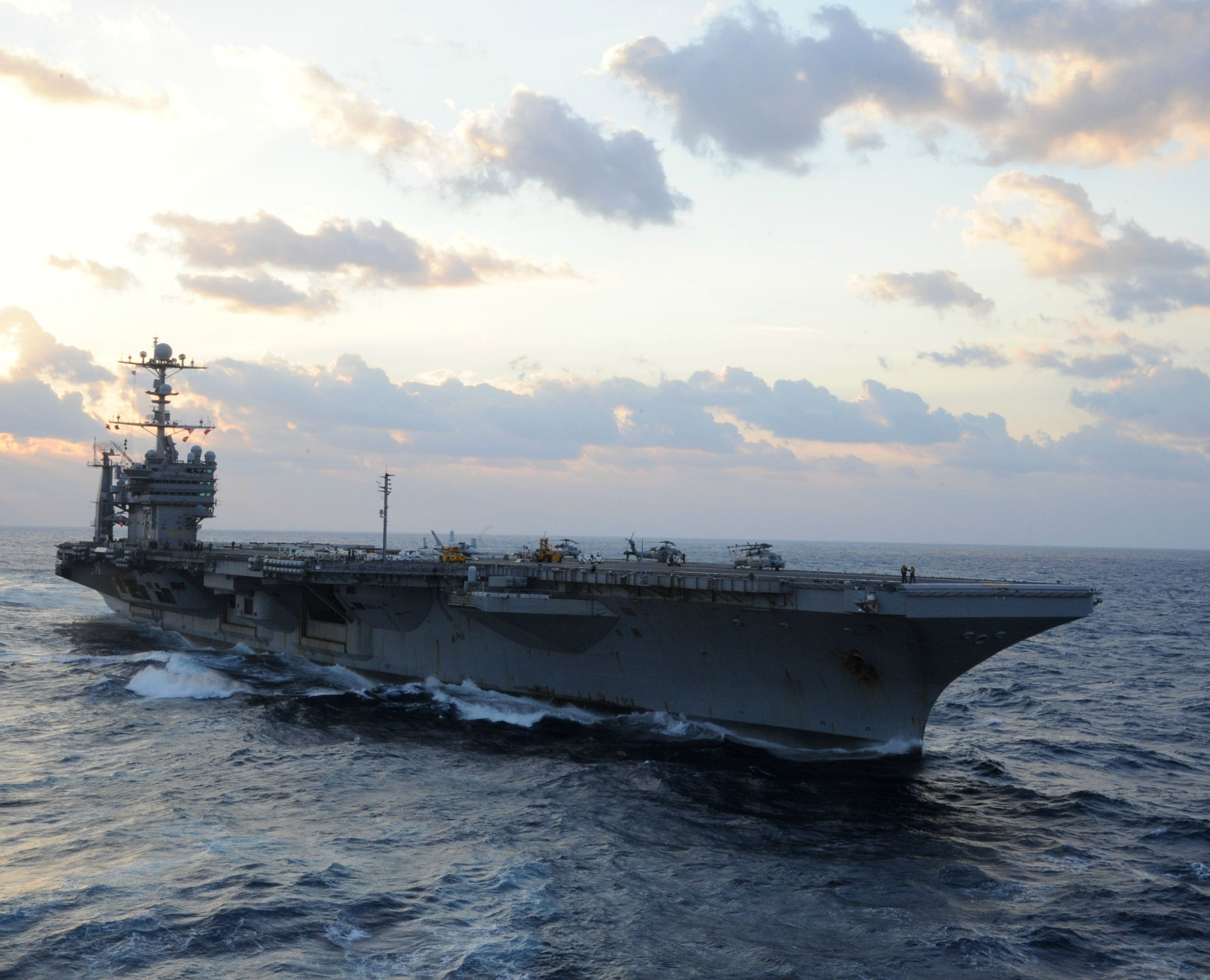 "USS George Washington CVN-73 Western Pacific Ocean December 2, 2013 - 8 x 10"" Photograph on Metallic Paper"