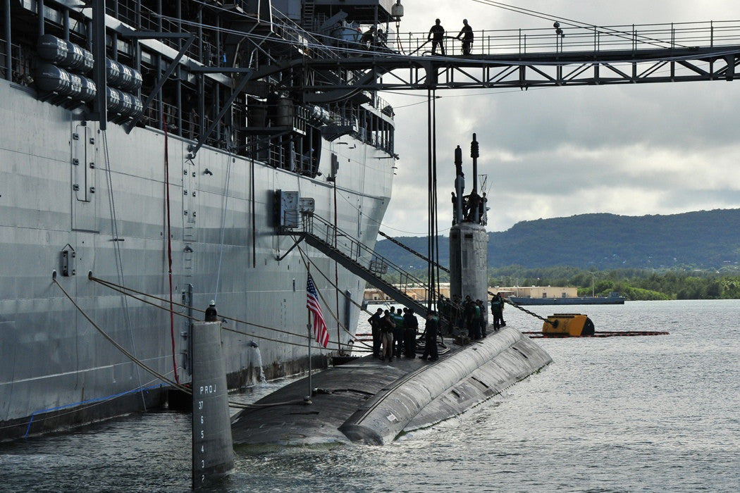 "USS Frank Cable AS-40 Tends USS Hawaii SSN-776 POLARIS POINT, Guam (Dec. 30, 2010) - 4"" x 6"" Photograph"
