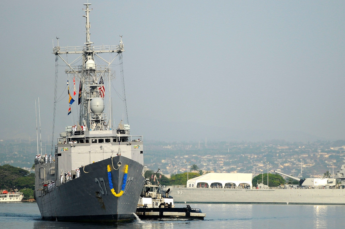 "USS Crommelin FFG-37 arrives at Joint Base Pearl Harbor-Hickam (Dec. 14, 2010 - 4"" x 6"" Photograph"