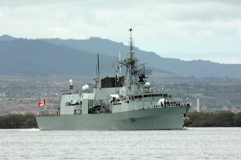 "Canadian Navy HMCS Ottawa FF-341 arrives Naval Station Pearl Harbor (June 27, 2008) - 4"" x 6"" Photograph"