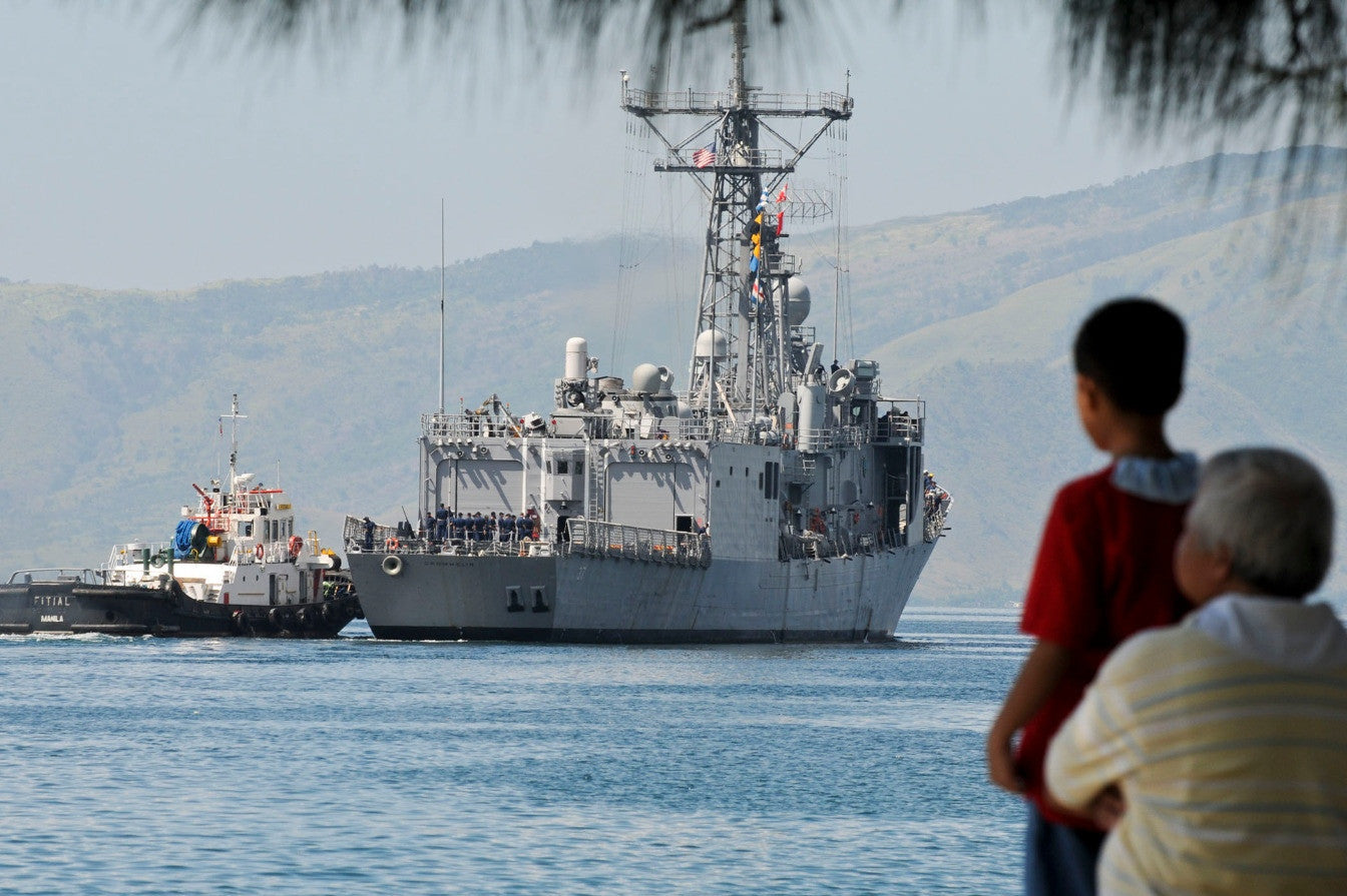 "USS Crommelin FFG-37 SUBIC BAY, Philippines (Oct. 17, 2010) - 4"" x 6"" Photograph"